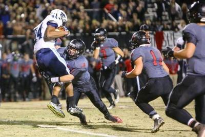Ravenwood thwarts late Centennial push, advances to semifinals